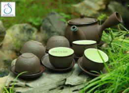 Bộ trà gốm tử sa khắc trăng xanh quai ngang