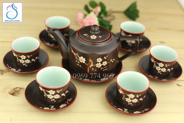 Bộ trà vai vuông men nâu khắc hoa Đào