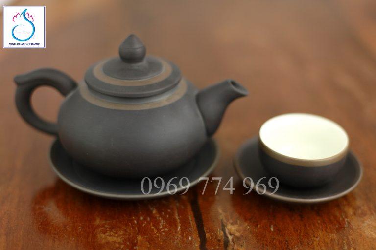Bộ trà gốm tử sa dáng chóp đào ghi
