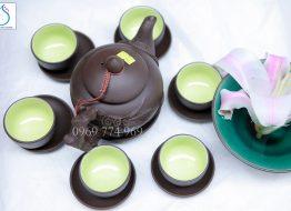 Bộ trà gốm đen đắp nổi hoa lan