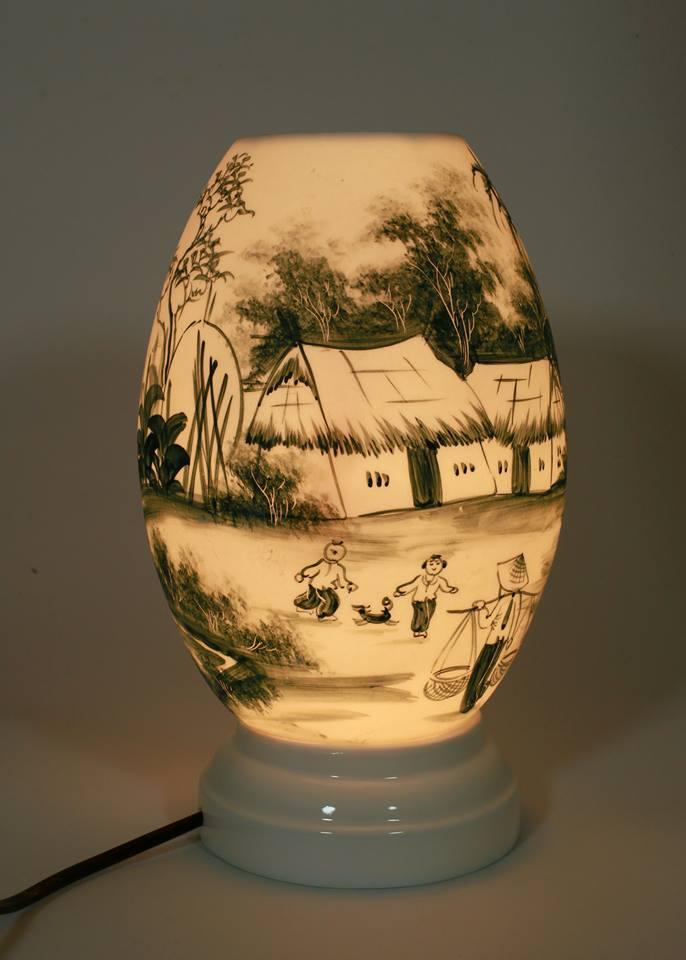 Đèn xông tinh dầu dáng trứng