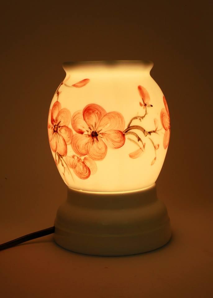 Đèn xông tinh dầu tròn cao 15cm