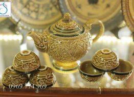 Bộ men trà Hoàng Thổ khắc tay tinh xảo